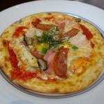 珈琲哲學 - ランチミックスピザのハーフサイズ