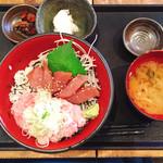 68362021 - 漬けマグロとネギトロ丼定食 ¥880