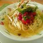 イル カパンナ ビアンコ - 料理写真:ガーリックの生トマトのせ 和風しお味