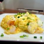 68369110 - 海鮮と卵のあっさり塩炒め1,250円