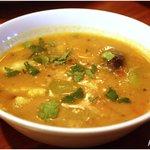 ムーナ - サンバル 野菜と豆のカレー 680円