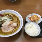 カレーらーめん じぇんとる麺 -