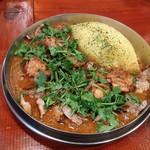 ダルシムカリー - チキンカリー+豚バラ増し+パクチー