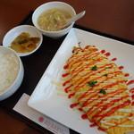 中国料理 香楽 - 日替わりランチ(700円)のオムソバ