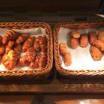 道後彩朝楽 - 焼きたてパン。