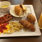 道後彩朝楽 - 朝食もかなりいただけます。