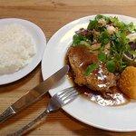 洋食店 リセット - イカすり身SHISO巻きカツとチキンのオーブン焼き
