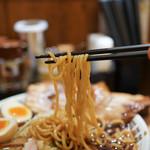 ニュー オールド スタイル 肉そば けいすけ - 麺リフトアップ