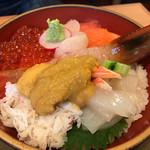 うに むらかみ 函館本店 - 海鮮丼 函館日浦町の雲丹