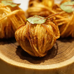 sincere - アミューズ 糸状のジャガイモのフリットに巻かれた鰯のリエット