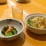 釜めしビクトリア - セットのサラダと漬物