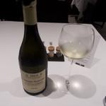 68395323 - Chassagne-Montrachet 1er Cru Les Cailleretsのハーフグラス(1400円)+8%+10%