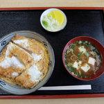 コムギラーメン - かつ丼(700円)