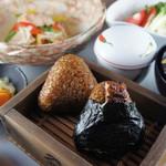 皿屋 福柳 - 大人気・うなむす昼膳(1500円)限定数