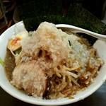 ブッチャー - ワイルドブッチャー麺背油多目880円‼