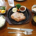 はしや - 料理写真:厚切りポークソテー¥1180+税