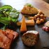 クンセイ ラバー フーモ - 料理写真:燻製ポテサラと燻製盛り合わせ