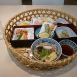 玉屋ファミリーレストラン - 花かご弁当1,060円税込み