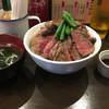 TOKYO ステーキ丼 ガブス - 料理写真:ガブスステーキ丼 ダブル盛り(1080円)