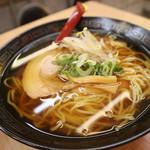 ラーメン 丸一 - 醤油ラーメン290円