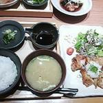 一汁五穀 - 鶏のヘルシーおろし竜田揚げ定食