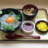 岬 丘の上食堂 - 料理写真:生しらす丼(玉子入)1400円
