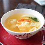 センス - たらば蟹と岩手県産プラチナポークの上湯スープ