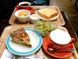 ミッツコーヒースタンド - モーニングAセット(420円)、キッシュセット(690円)
