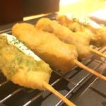 串勝 六角屋 - 人気串カツ盛合6本  ササミしそチーズ、豚バラ