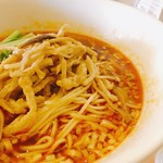赤坂 四川飯店 - 豚肉とザーサイの酢辛味そば