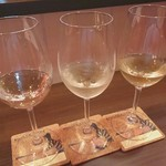 ワインバル DOLCE VITA - 白ワイン3種飲み比べ