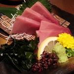 木村屋本店 - 季節のオススメ肉対魚メニューから生本マグロ通常1,200円が680円