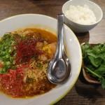 トマルカフェ - トムヤムラーメン+パクチートッピング