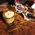 SIC cafe&bar - プーさんのラテアート