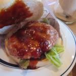 肉が旨いカフェ NICK STOCK -  熟成牛を練りこみ手ごねしたパテを使い照り焼きソースで仕上げた旨みたっぷりのバーガーです。