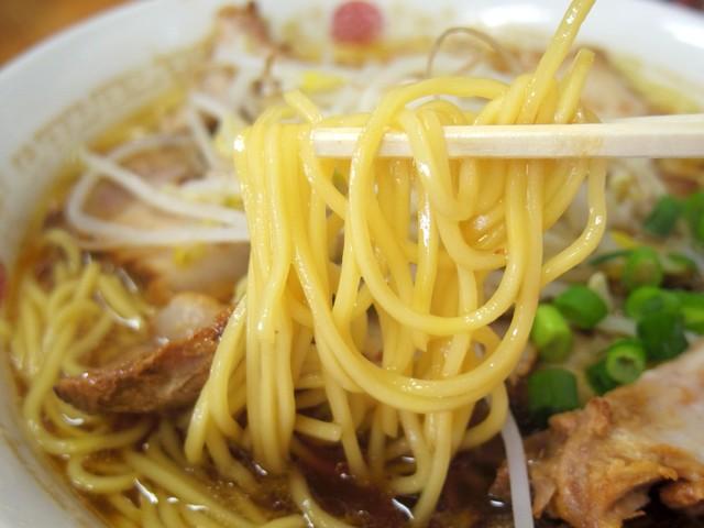 萬福食堂 - 2017年6月 麺持ち上げ