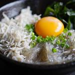 ナギ - 釜揚・生二種盛丼