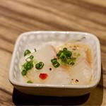 魚河岸酒場 FUKU浜金 - お通し(真鯛のカルパッチョ)