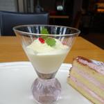 エピックビュー - ケーキとアイス