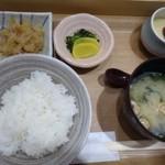はかた天乃 - ◆共通・・切り干し大根・香の物・茶碗蒸し・ご飯・お味噌汁など。
