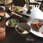 The lounge on the water - 朝食ビュッフェ