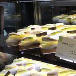ファウンドリー - お店のディスプレイ