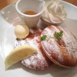 68471200 - 発酵バターと稀少糖ハニーシロップのクロカンブッセパンケーキ