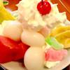 """花ごよみ - 料理写真:""""白玉の和パフェ""""のアップ。角度的にりんごが隠れている。"""