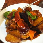 68475846 - 黒酢と季節野菜と鶏肉の炒め物