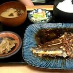産直仕入れの北海道定食屋 北海堂 - カレー煮付け定食750円。