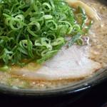 68480479 - 濃厚鶏白湯しょうゆ 特製ラーメン