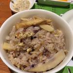 タカタカ - タケノコご飯は普段はやってないそう。これが美味かった( ´ ▽ ` )ノ