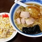 こんとき - 料理写真:ミニチャーハンと釜石らーめん 700円(ランチタイム)