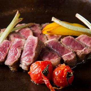 柔らかく風味豊かな熊本赤牛のステーキ